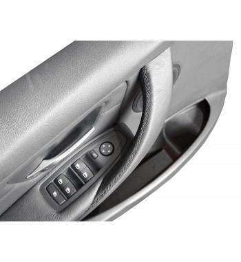 Cubierta de cuero para BMW Serie 3 F30 / F31 / F34 / F35 / F80 Manija interior de la puerta (derecha)